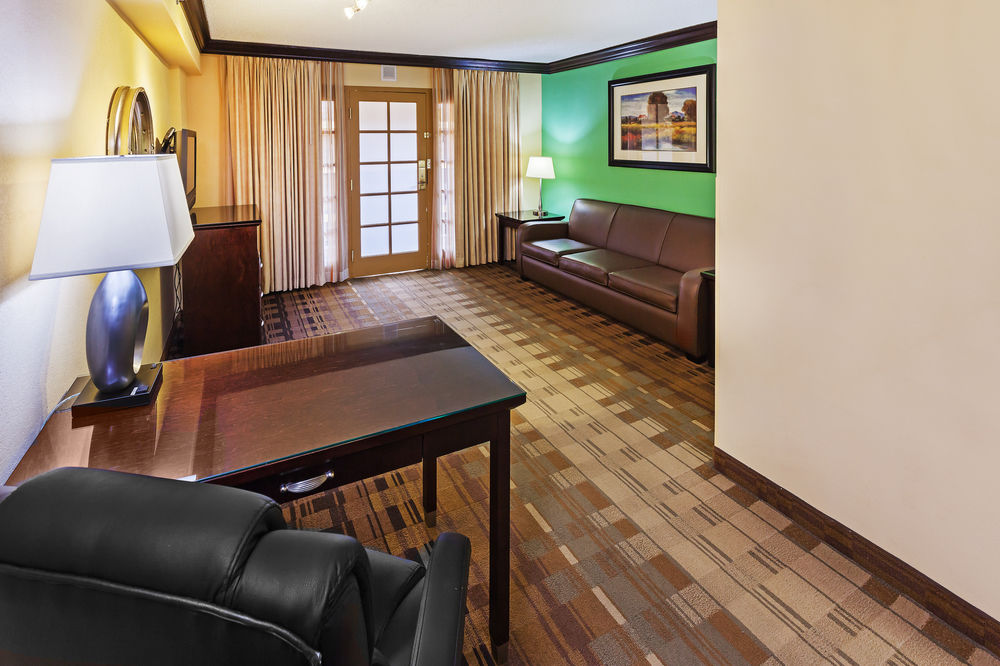 https://www.hotelsbyday.com/_data/default-hotel_image/1/5182/8.jpg
