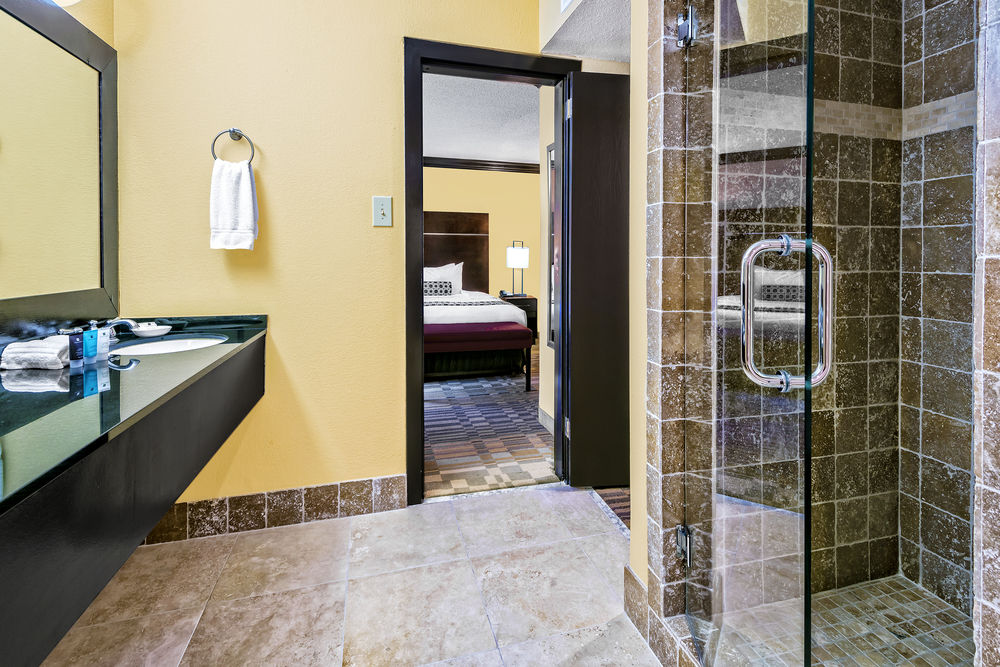 https://www.hotelsbyday.com/_data/default-hotel_image/1/5183/9.jpg