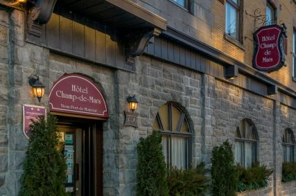 Hotel Champ-de-Mars, Montreal