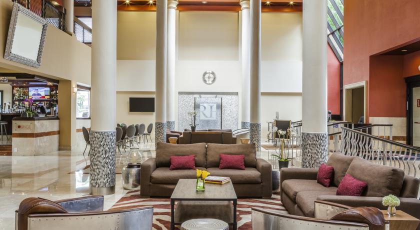 https://www.hotelsbyday.com/_data/default-hotel_image/1/5336/regency-hotel-2.jpg