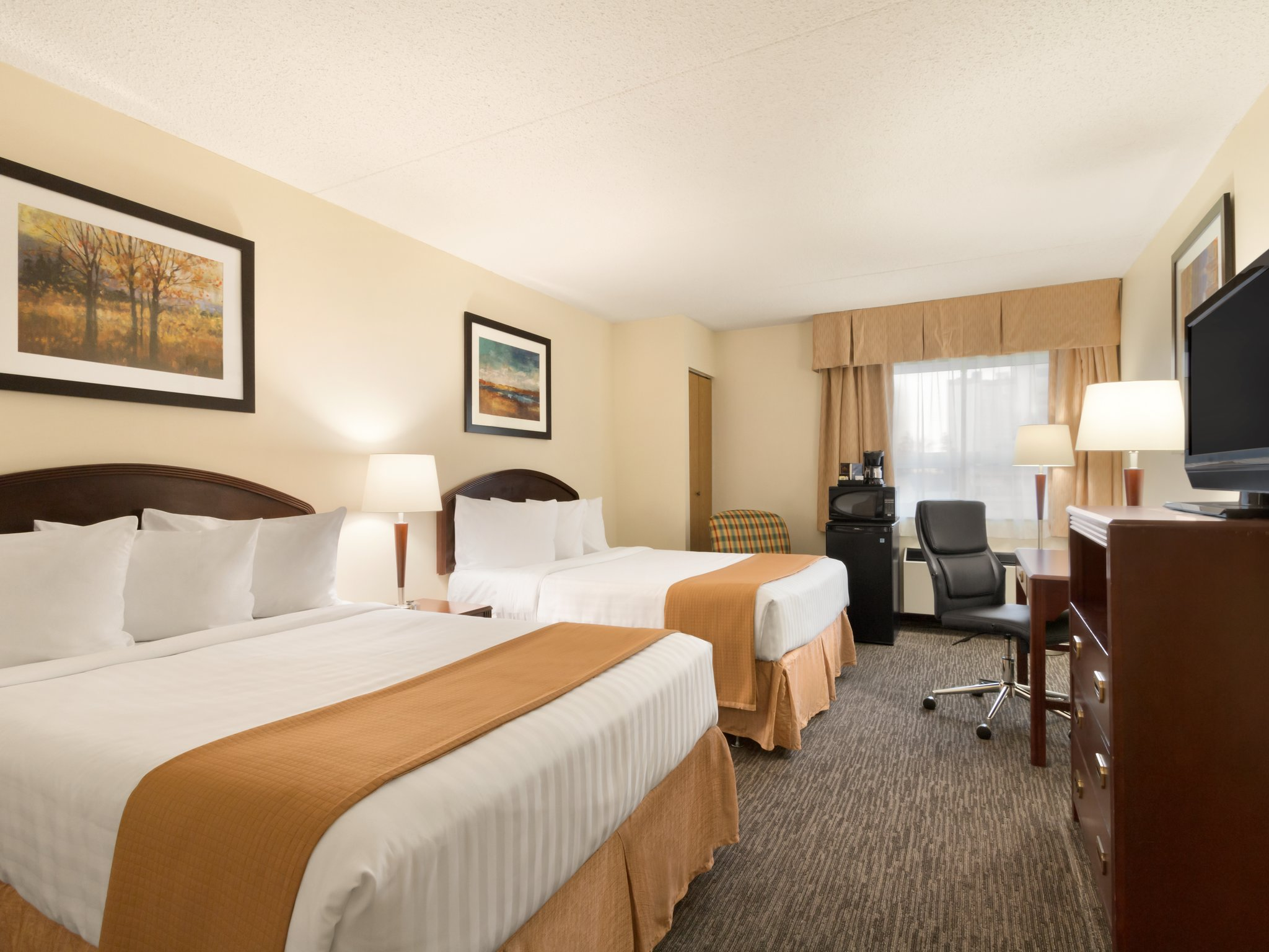 South Edmonton Hotels With Jacuzzi