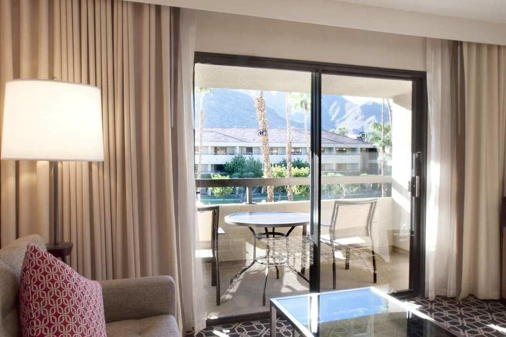https://www.hotelsbyday.com/_data/default-hotel_image/1/5724/2156-67-z.jpg
