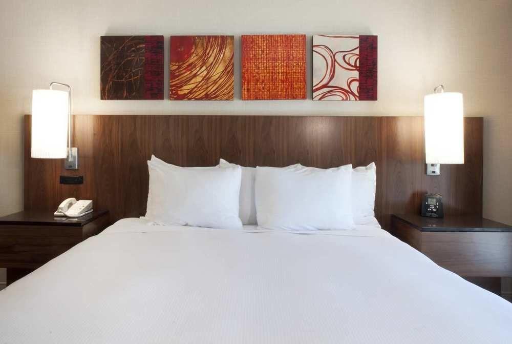 https://www.hotelsbyday.com/_data/default-hotel_image/1/5725/2156-65-z.jpg