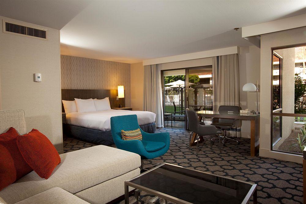 https://www.hotelsbyday.com/_data/default-hotel_image/1/5726/2156-81-z.jpg