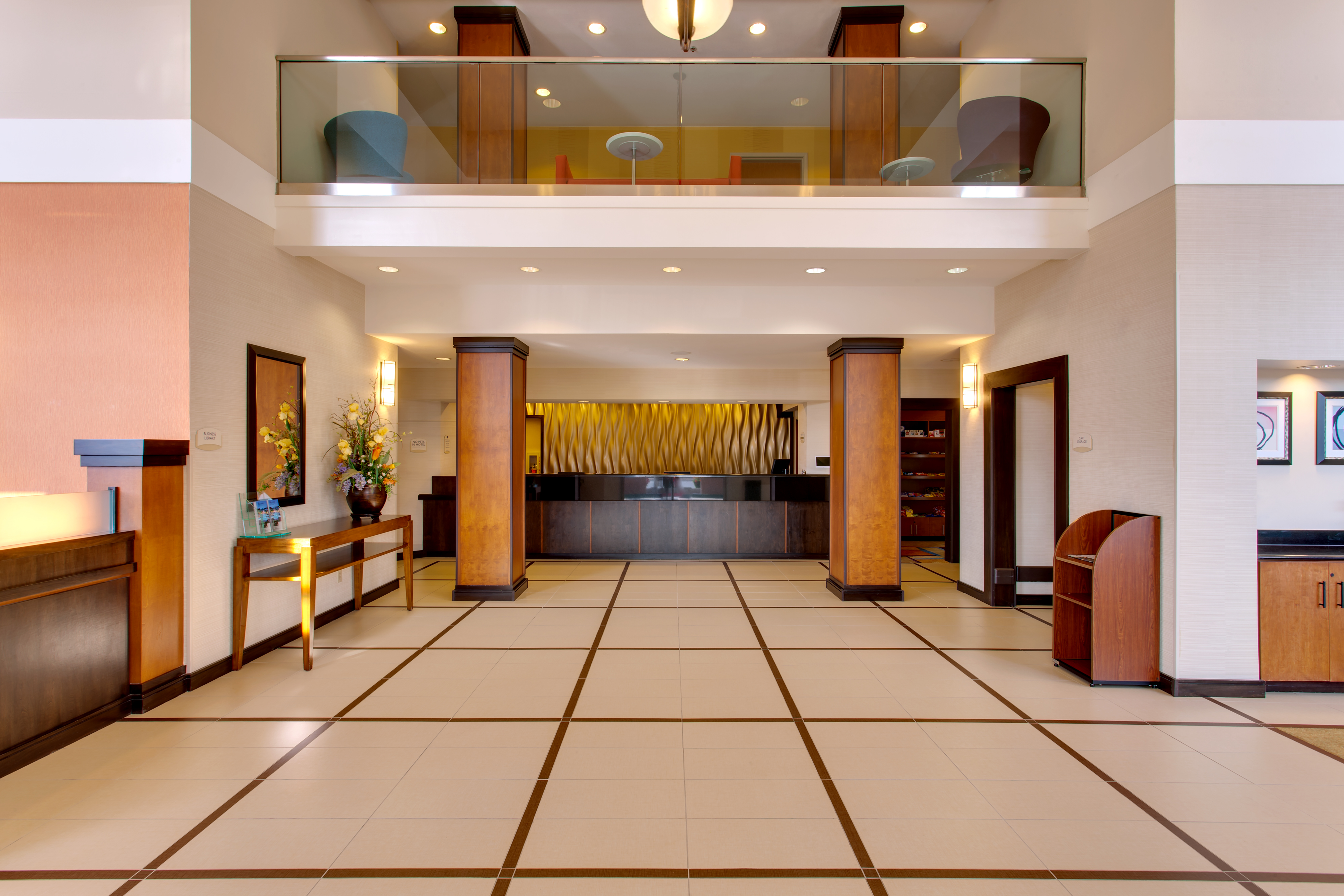 https://www.hotelsbyday.com/_data/default-hotel_image/1/6268/sfome-lobby-entry-view.jpg
