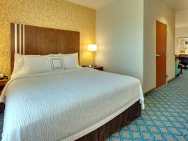 Hotel Fairfield Inn & Suites San Francisco Airport image