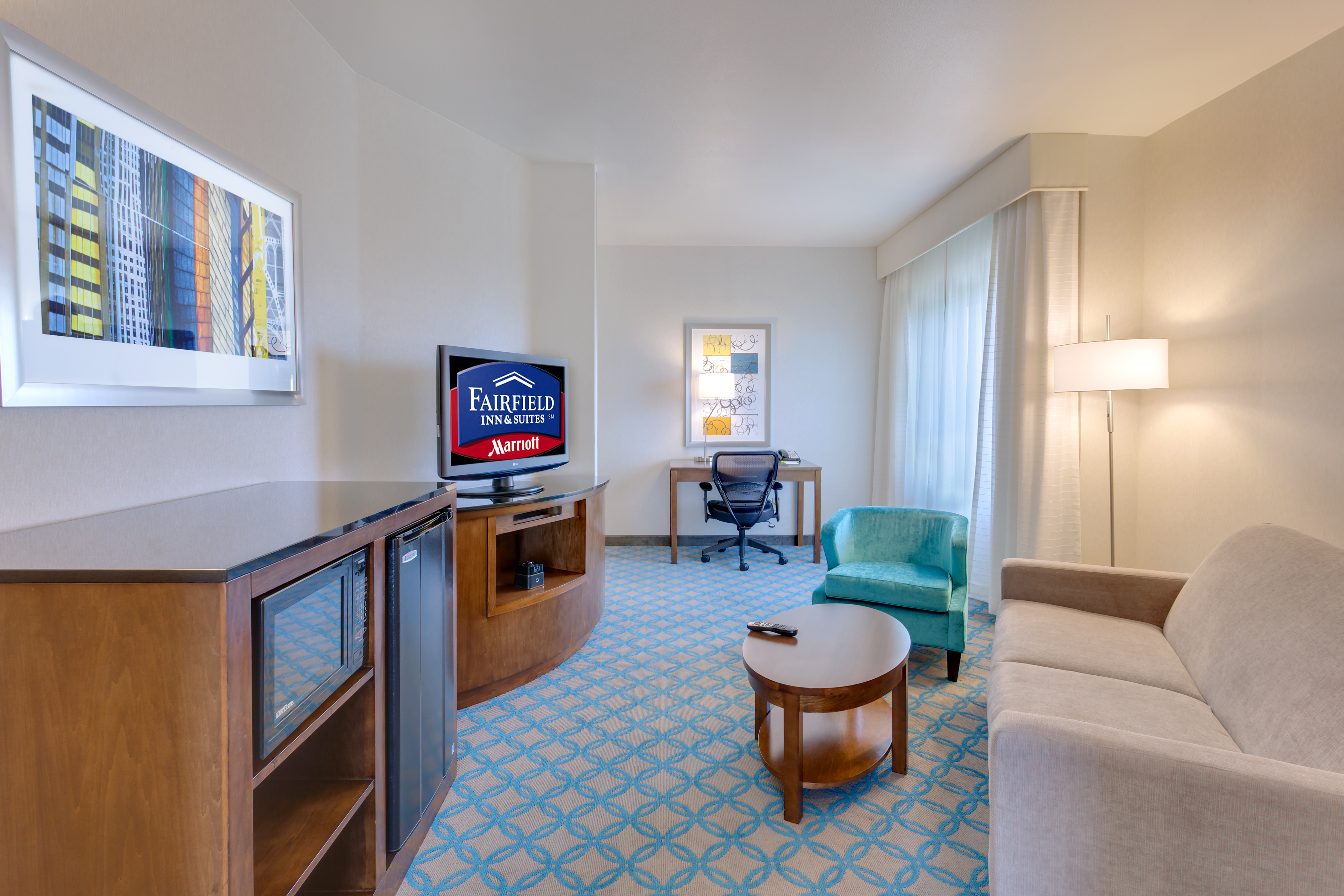 https://www.hotelsbyday.com/_data/default-hotel_image/1/6276/sfome-suite-living-area-view.jpg