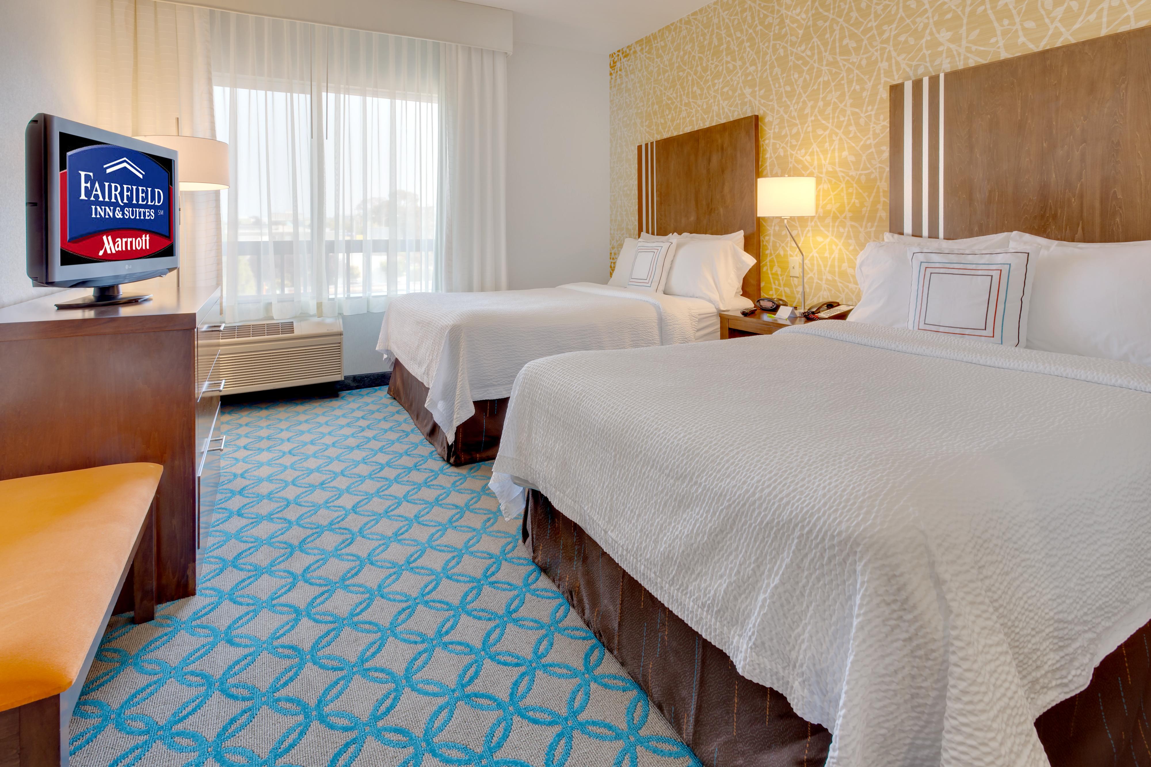 https://www.hotelsbyday.com/_data/default-hotel_image/1/6277/sfome-standard-double-quuens-sleeping-area-view.jpg