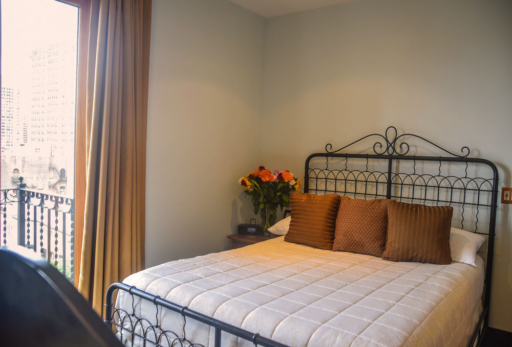 https://www.hotelsbyday.com/_data/default-hotel_image/1/6400/1462232-219-z.jpg