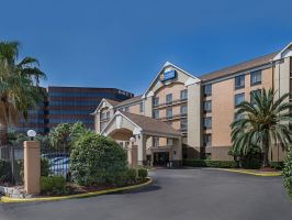 Hotel Comfort Inn Southwest At Westpark image