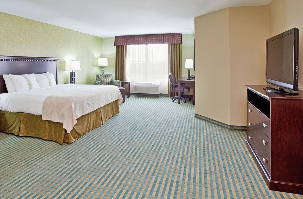 https://www.hotelsbyday.com/_data/default-hotel_image/1/6528/f14882ec-z.jpg