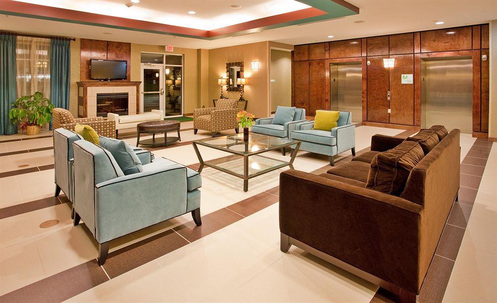 https://www.hotelsbyday.com/_data/default-hotel_image/1/6530/3483569-30-z.jpg