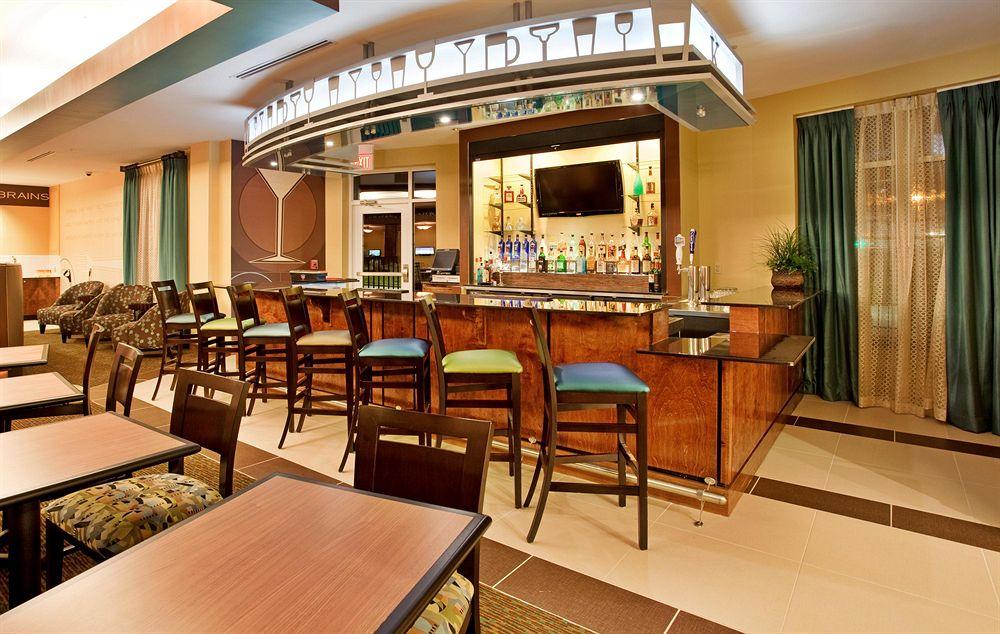 https://www.hotelsbyday.com/_data/default-hotel_image/1/6531/3483569-85-z.jpg