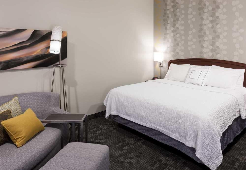 https://www.hotelsbyday.com/_data/default-hotel_image/1/6731/eff76426-z.jpg