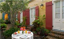 https://www.hotelsbyday.com/_data/default-hotel_image/1/6875/hotel-st-pierre-outdoor-breakfast-louisiana.jpg