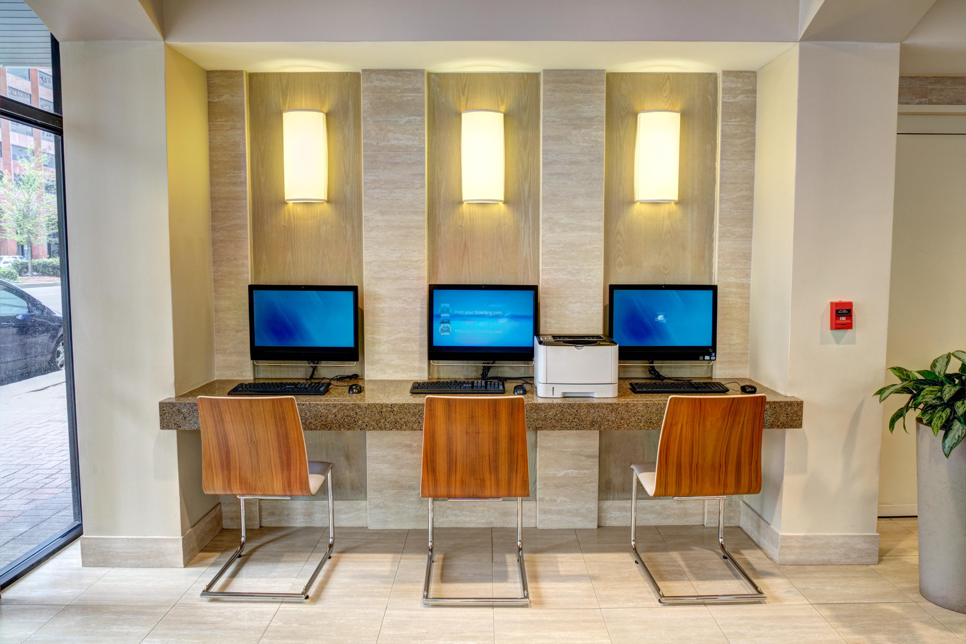 https://www.hotelsbyday.com/_data/default-hotel_image/1/6897/125a6352hdr-edit.jpg