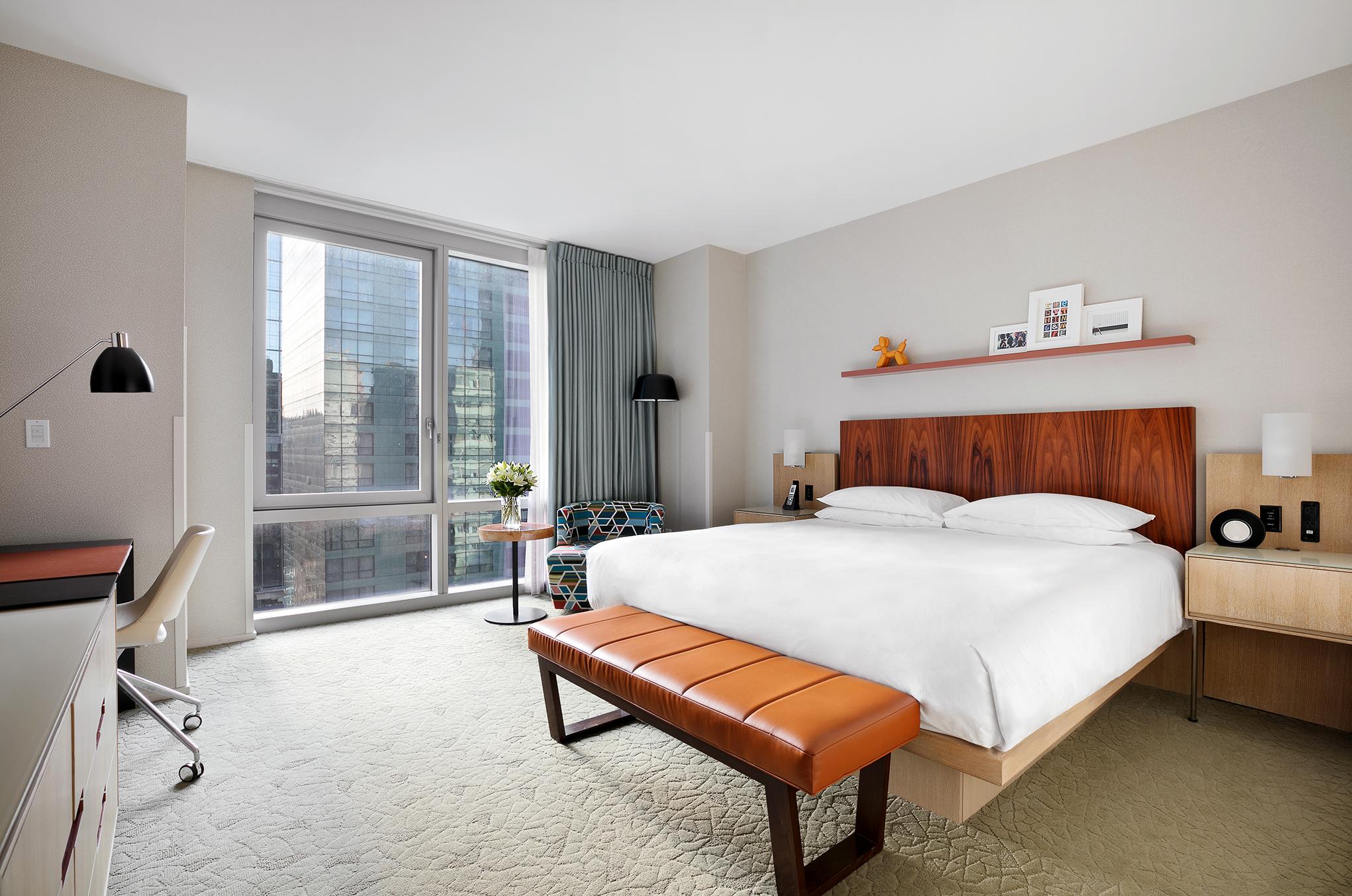 https://www.hotelsbyday.com/_data/default-hotel_image/1/7050/view-king-lores.jpg