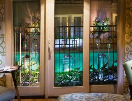 Hotel Amarano, Los Angeles
