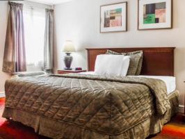 Hotel Rodeway Inn Huntington Station image