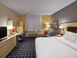 Hotel TownePlace Suites By Marriott London image