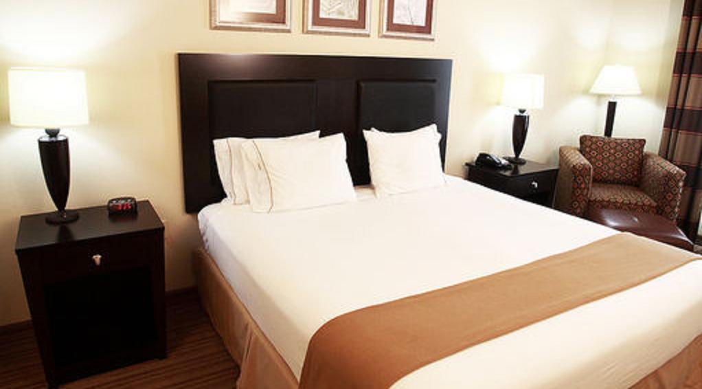 https://www.hotelsbyday.com/_data/default-hotel_image/1/7449/16309266.jpg