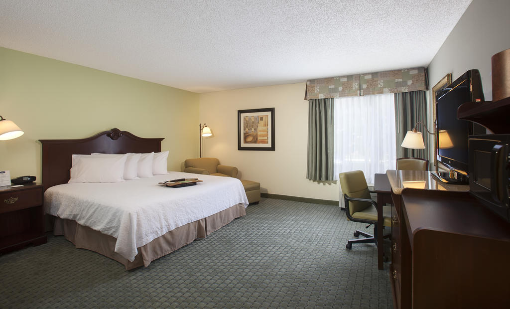 https://www.hotelsbyday.com/_data/default-hotel_image/1/7461/22263536.jpg