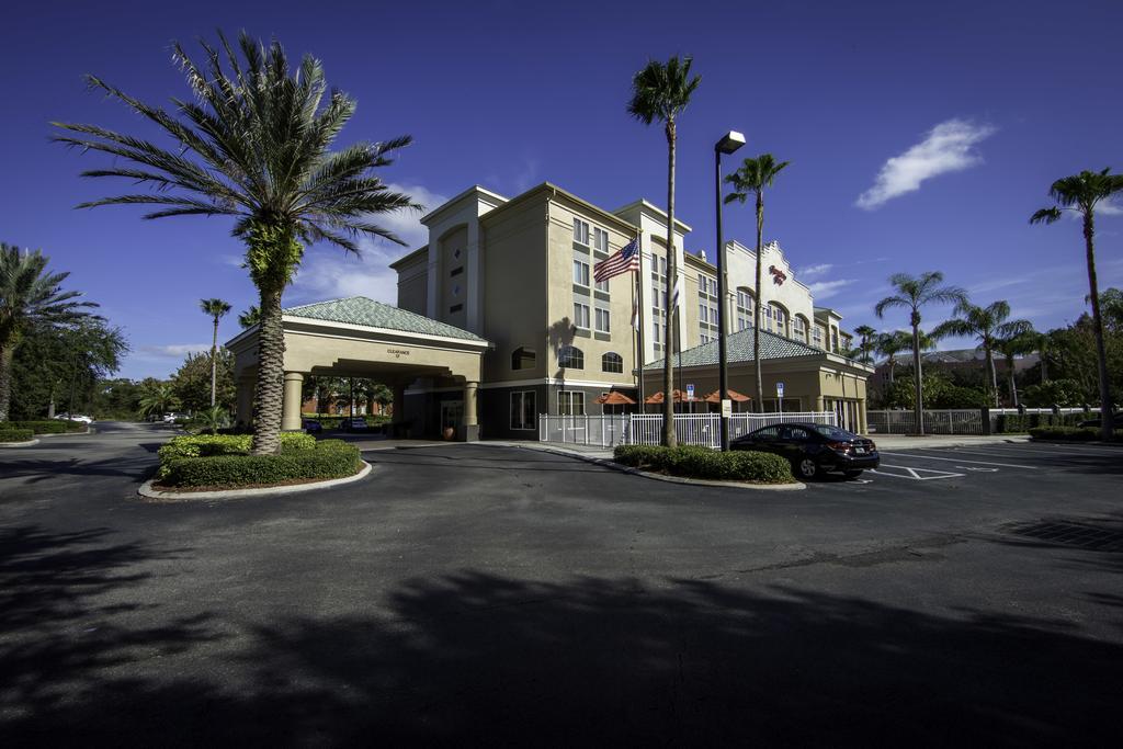 https://www.hotelsbyday.com/_data/default-hotel_image/1/7462/77383127.jpg