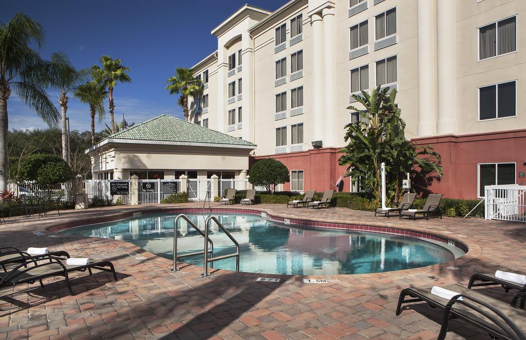 https://www.hotelsbyday.com/_data/default-hotel_image/1/7466/22263582.jpg