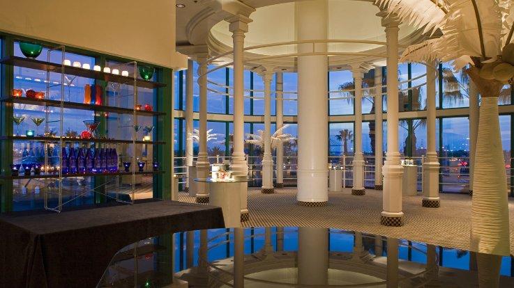 https://www.hotelsbyday.com/_data/default-hotel_image/1/7474/cq5dam-1-thumbnail-744-415-png.jpeg
