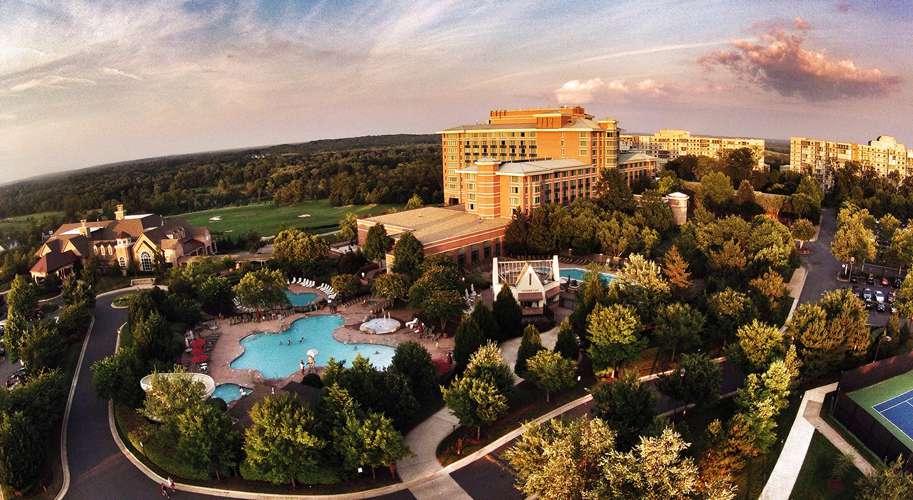 https://www.hotelsbyday.com/_data/default-hotel_image/1/7486/lansdowne-aerial-crpd913x500.jpg
