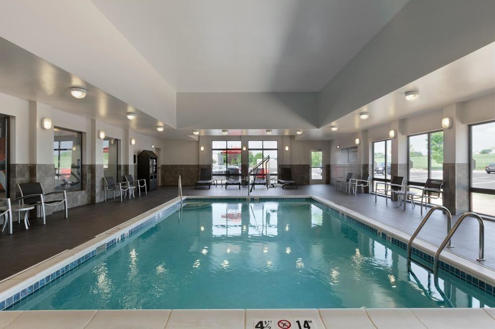 hampton inn suites roanoke airport day rooms hotelsbyday. Black Bedroom Furniture Sets. Home Design Ideas