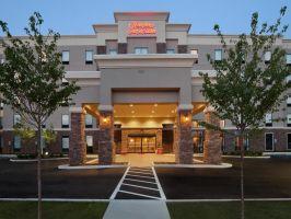 Hotel Hampton Inn & Suites Roanoke Airport image