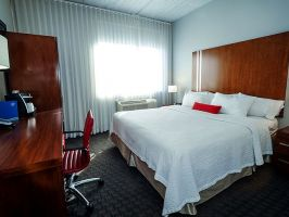 Hotel Fairfield Inn & Suites By Marriott Brooklyn image