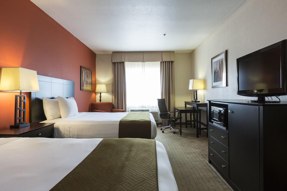 https://www.hotelsbyday.com/_data/default-hotel_image/1/7643/queen-standard-1.jpg