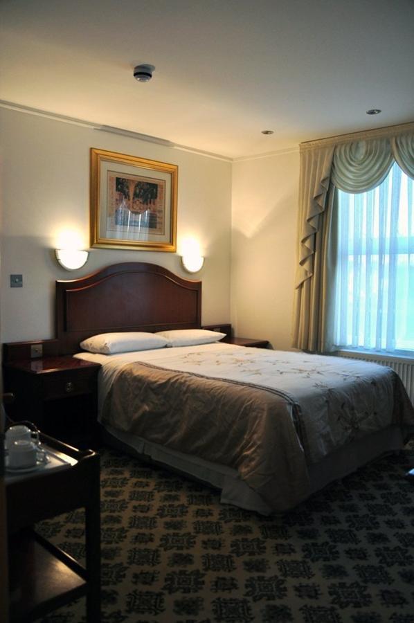 https://www.hotelsbyday.com/_data/default-hotel_image/1/7750/5898177.jpg
