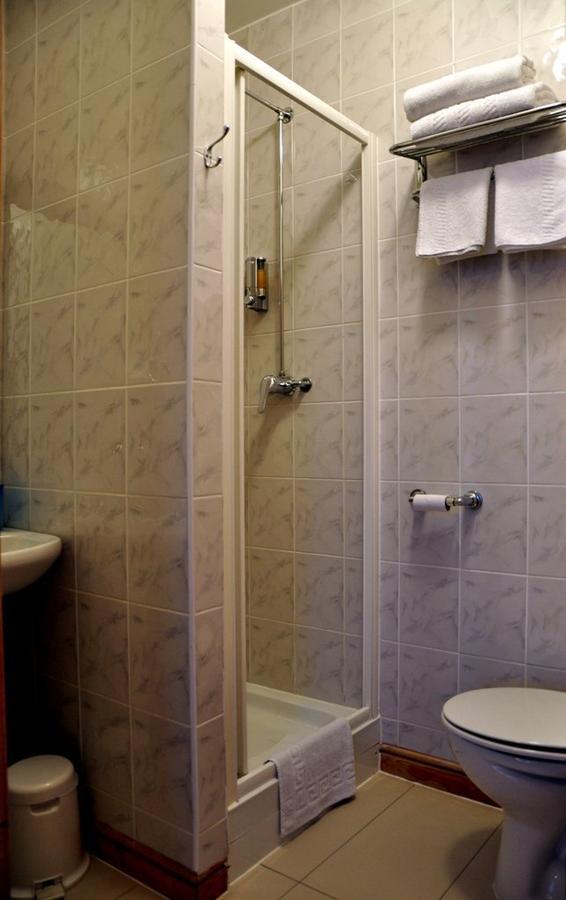 https://www.hotelsbyday.com/_data/default-hotel_image/1/7751/5898113.jpg