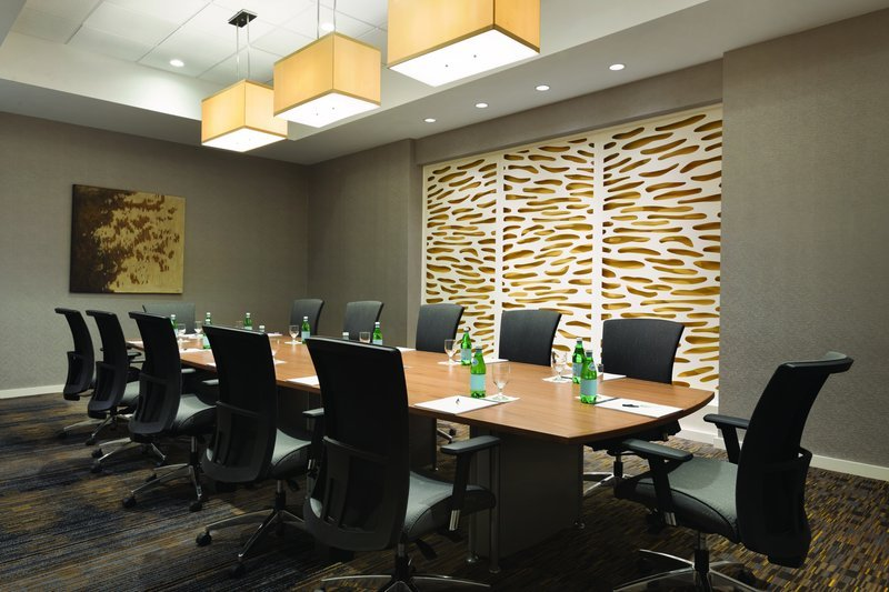https://www.hotelsbyday.com/_data/default-hotel_image/1/7778/webster-boardroom.jpg