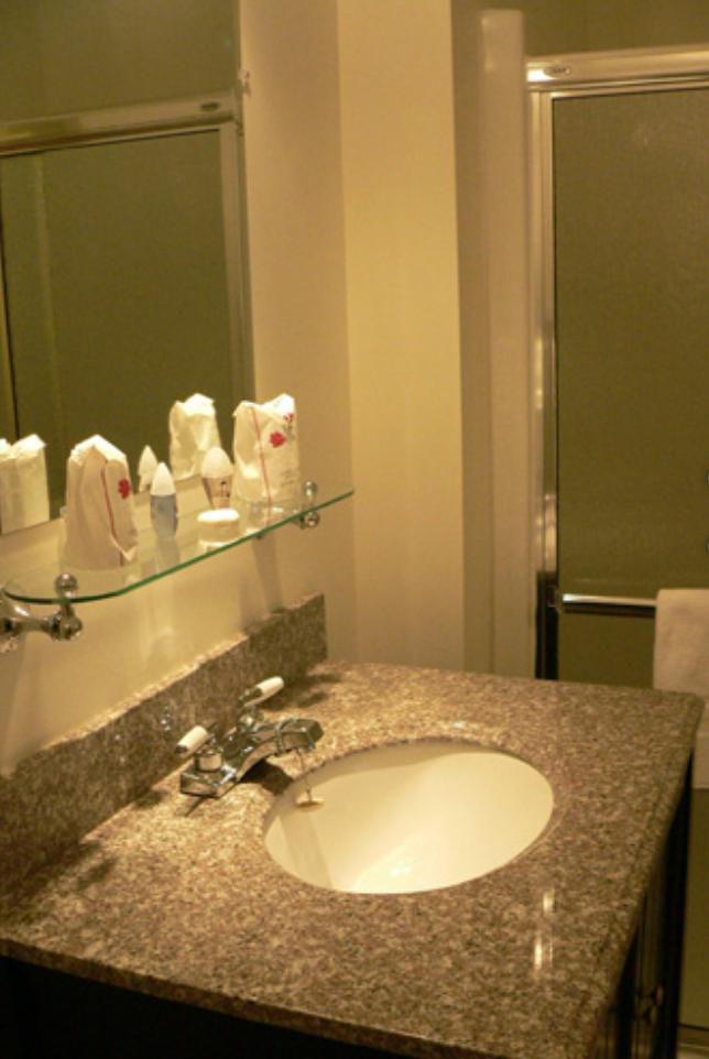 https://www.hotelsbyday.com/_data/default-hotel_image/1/7935/capture-d-e-cran-2018-01-08-a-10-54-27.png