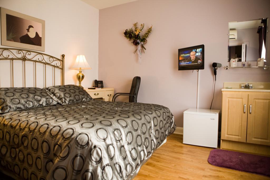 https://www.hotelsbyday.com/_data/default-hotel_image/1/7938/5810-48607.jpg