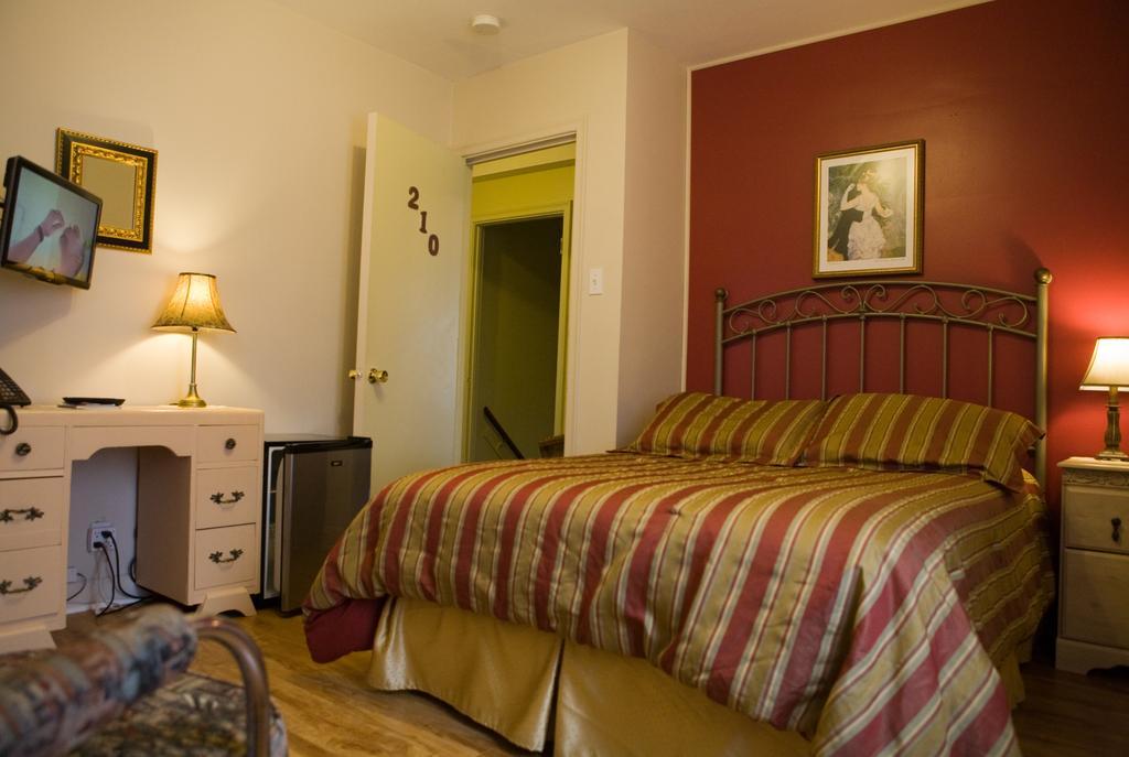https://www.hotelsbyday.com/_data/default-hotel_image/1/7939/5809-48605.jpg