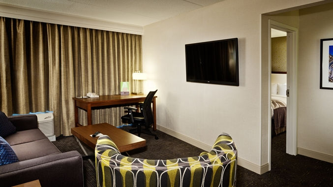 https://www.hotelsbyday.com/_data/default-hotel_image/1/8000/dt-stejrsuite001-21-677x380-fittoboxsmalldimension-center.jpg