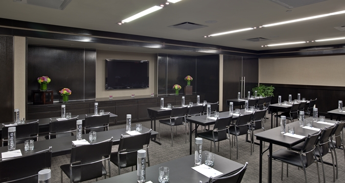 https://www.hotelsbyday.com/_data/default-hotel_image/1/8079/hh-meetingroom-30.jpg