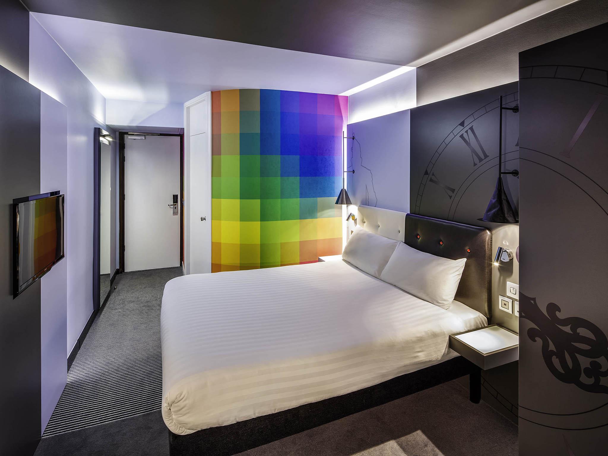 https://www.hotelsbyday.com/_data/default-hotel_image/1/8133/7465-ro-00-p-2048x1536.jpg