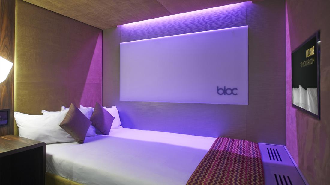 https://www.hotelsbyday.com/_data/default-hotel_image/1/8146/gatwick-sleep-bloc-hotels-528.jpg