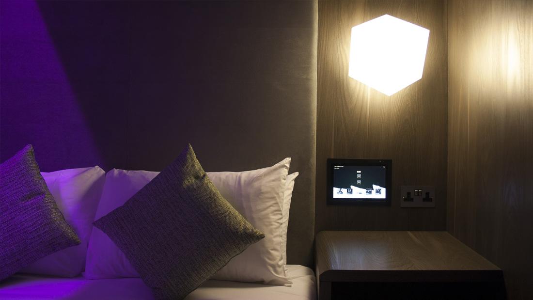 https://www.hotelsbyday.com/_data/default-hotel_image/1/8147/gatwick-tablet-bloc-hotels-529.jpg