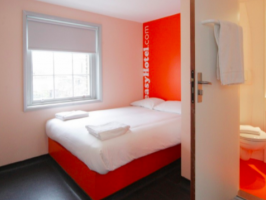 Hotel Easyhotel South Kensington image