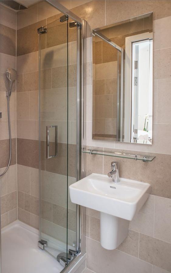 https://www.hotelsbyday.com/_data/default-hotel_image/1/8277/2256-41862.jpg
