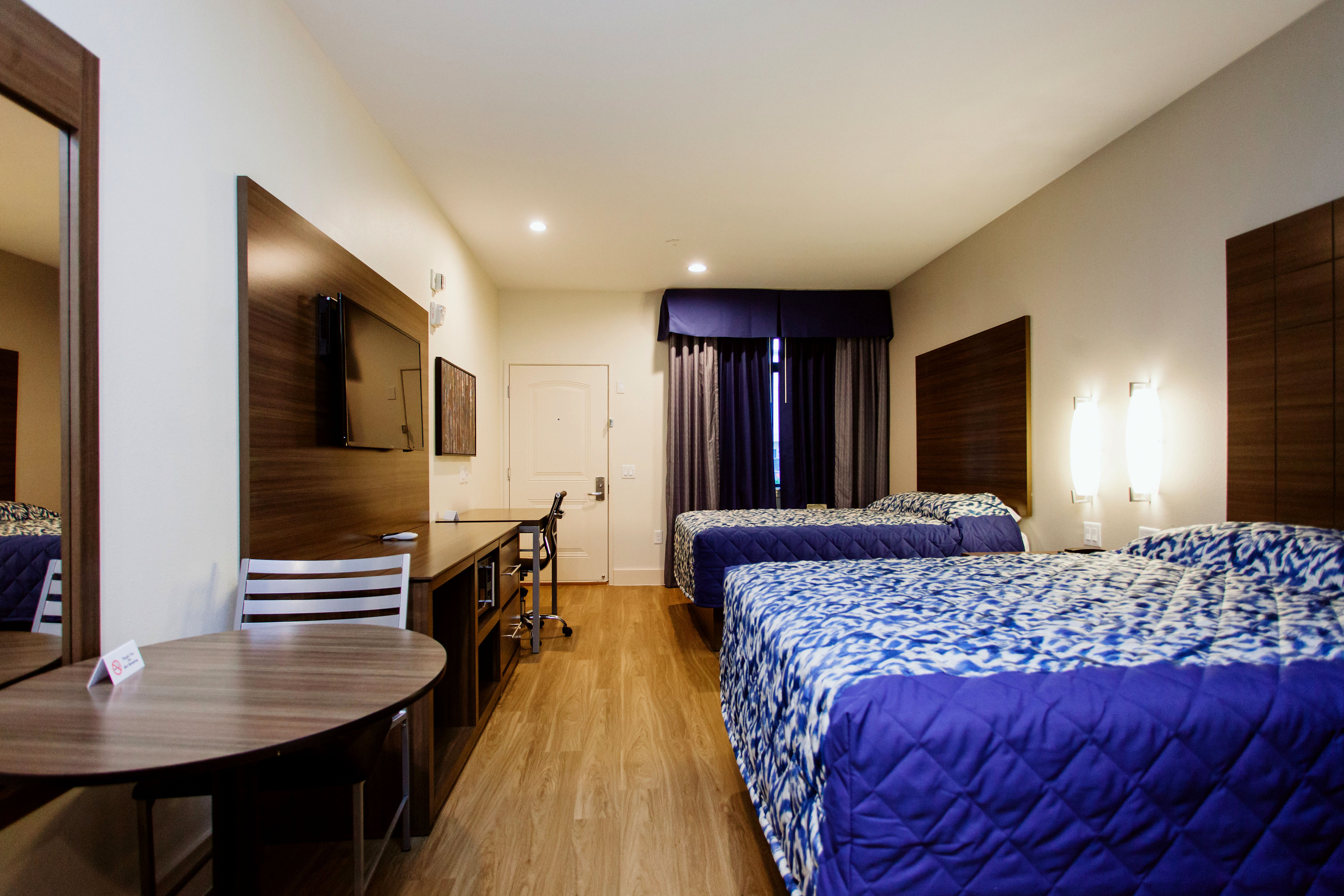 https://www.hotelsbyday.com/_data/default-hotel_image/1/8350/img-3681bw.jpg