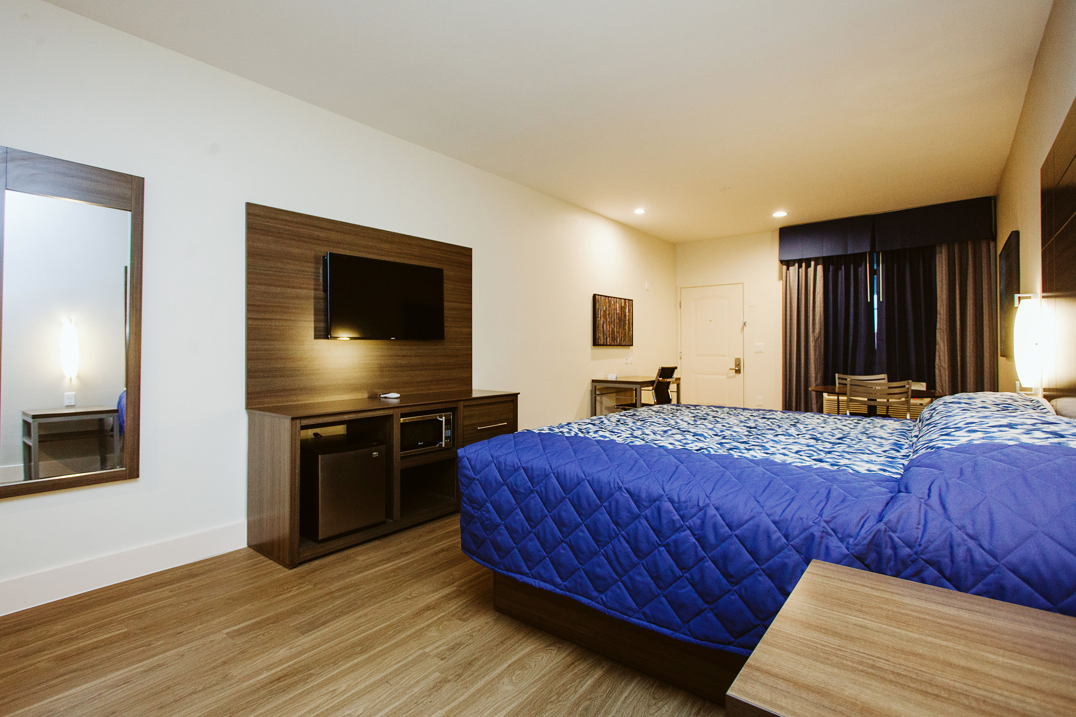https://www.hotelsbyday.com/_data/default-hotel_image/1/8366/img-3753bw.jpg