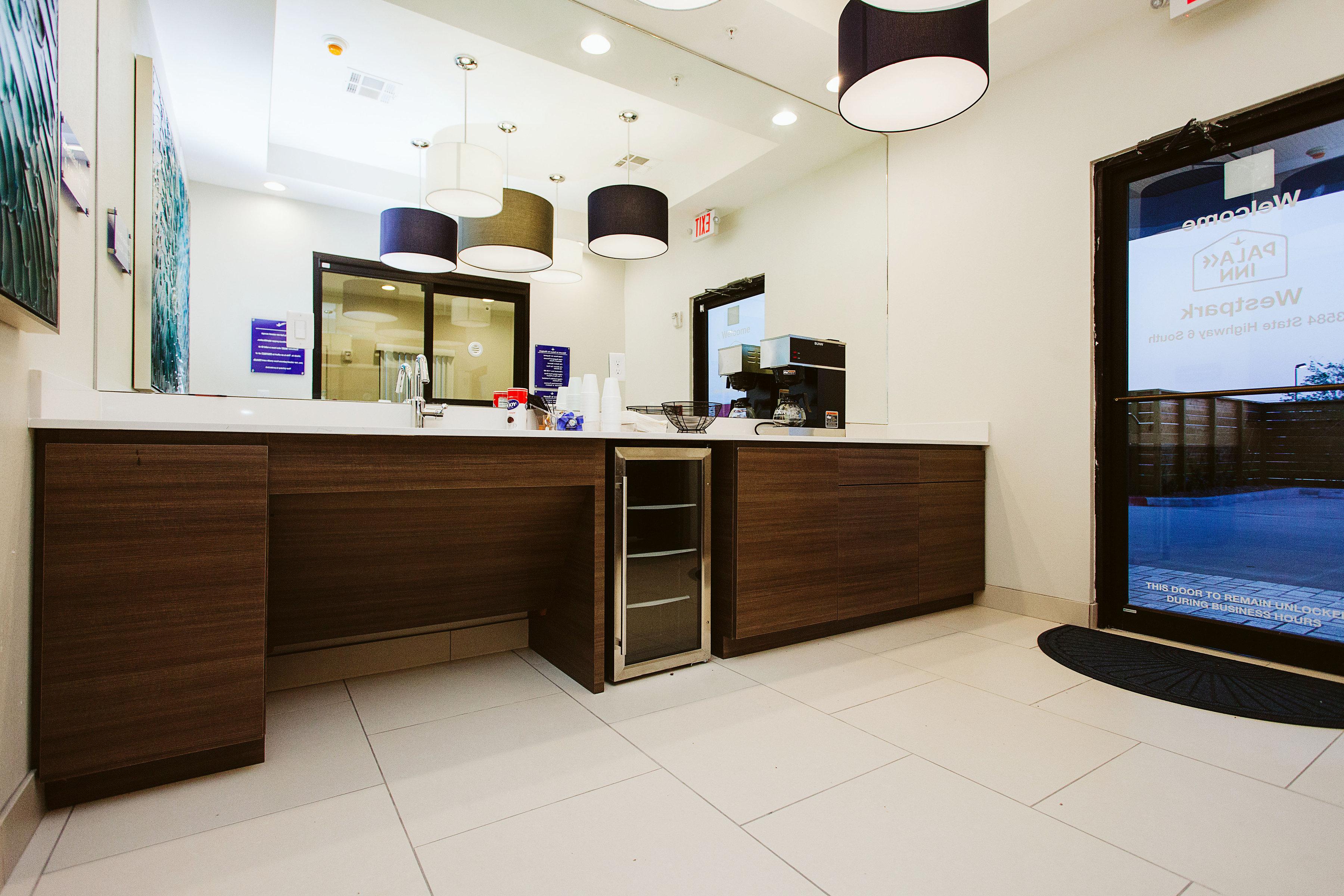 https://www.hotelsbyday.com/_data/default-hotel_image/1/8370/img-3760bw.jpg